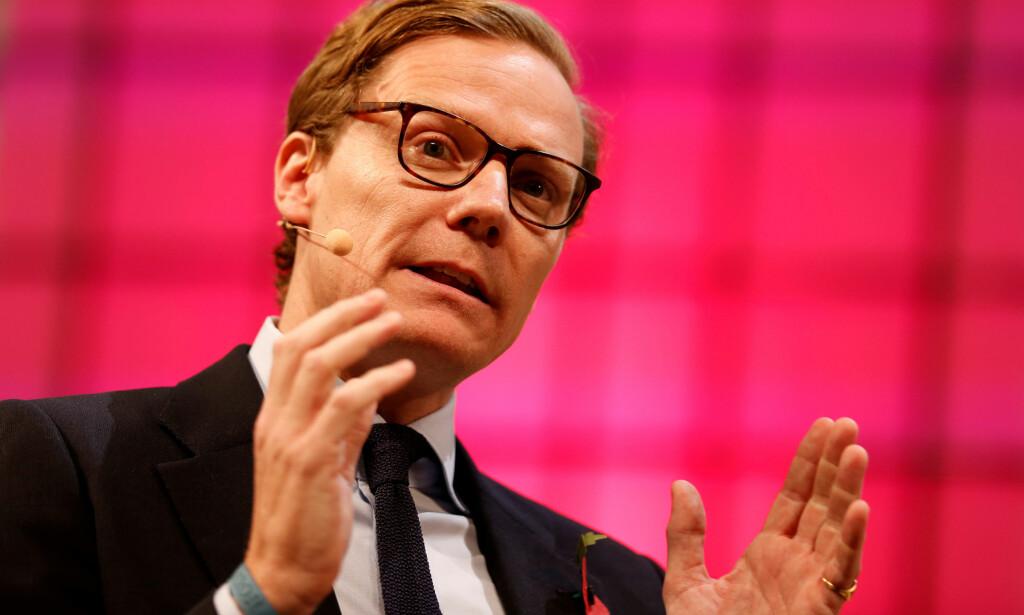 GRUNNLA SELSKAPENE: Alexander Nix blir anklaget for å stå bak manipulering av valgene i en rekke land. Underhuset mener han bør granskes. Foto. Reuters/NTB Scanpix