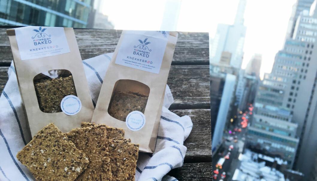 NORSKE KNEKKEBRØD I NYC: Norske Hedvig Bourbon baker knekkebrød i Brooklyn og selger dem til 29 butikker. Ideen fikk hun da hun var på besøk hos tanten sin i Norge for fire år siden. Foto: Malini Gaare Bjørnstad // KK