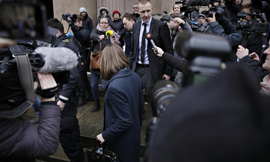 PRESSEOPPBUD: Ubåt-saken har vekket interesse i mange land utenfor Danmark. Her er aktor Jakob Buch-Jepsen på vei inn i rettssalen etter en pause under den første behandlingen for den danske domstolen, den 8. mars. Foto: Kristian Ridder-Nielsen/Dagbladet