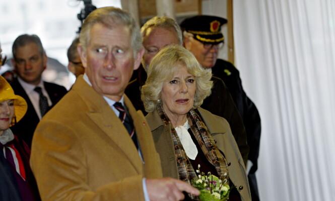 <strong>NORGESBESØK:</strong> Prins Charles av Wales og hertuginne Camilla besøker Bryggen under reisen til Bergen i 2012. Foto: Stian Lysberg Solum / NTB Scanpix