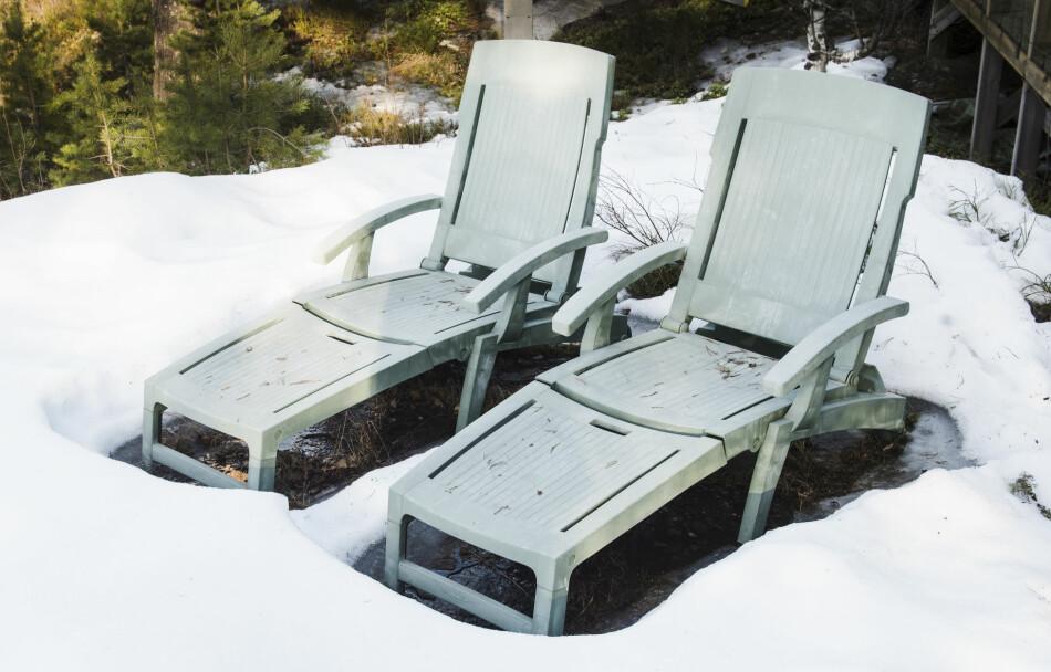 UTÅLMODIG: Her er tipsene for å få snøen til å smelte. Foto: Scanpix