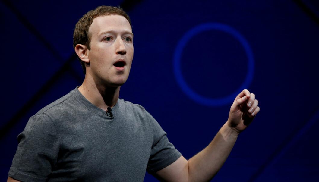 <strong>I HARDT VÆR:</strong> Facebook-sjef Mark Zuckerberg må svare for seg etter misbruk av Facebook-brukernes data. Foto: Stephen Lam/Reuters/NTB Scanpix