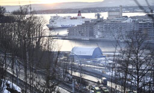 SPERRINGER: Politiet har satt opp sperringer fra Gamlebyen opp mot Ekeberg i Oslo. Foto: Lars Eivind Bones / Dagbladet