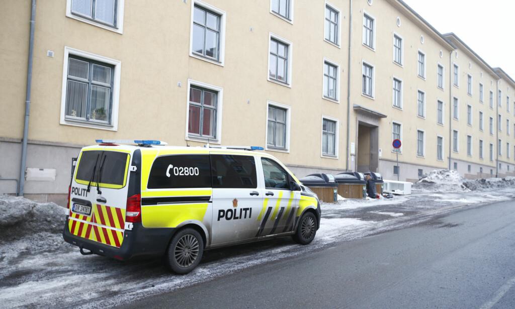 ÅSTEDET: Mannen ble funnet død i en leilighet på Sandaker. Foto: NTB scanpix