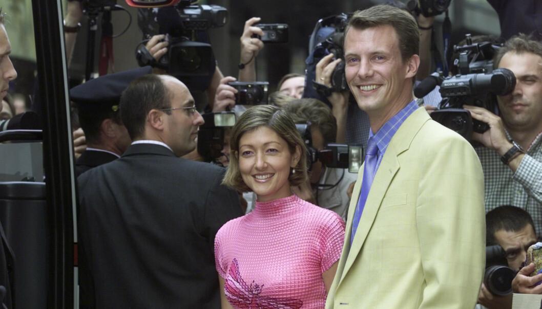 BLE SKILT: Prins Joachim og prinsesse Alexandra var blant gjestene da kronprins Haakon og Mette-Marit Tjessem Høiby giftet seg i Oslo Domkirke i 2001. Fire år senere gikk det danske prinseparet hver til sitt. Foto: Bjørn Sigurdsøn / NTB scanpix