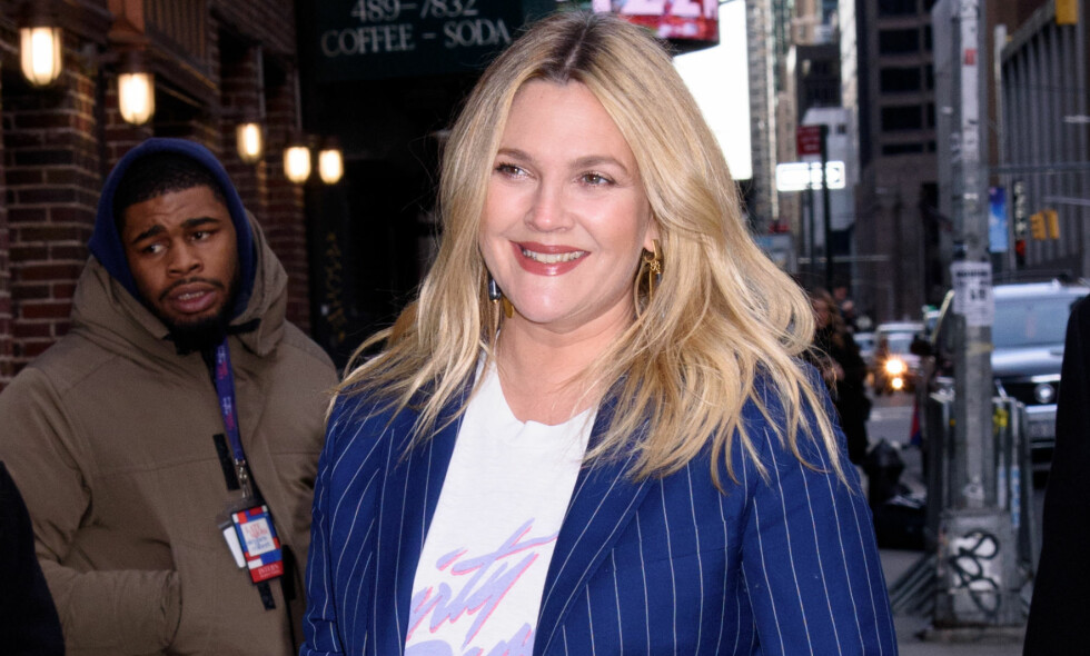 HUMOR: Drew Barrymore hadde nylig et merkelig møte med en ukjent kvinne som trodde hun var gravid. Da svarte hun humoristisk tilbake. Foto: NTB scanpix