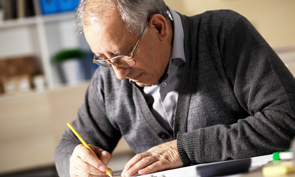 FORLATER ARBEIDSLIVET: Vi vet at mange arbeidsgivere vegrer seg for å ansette arbeidstakere helt ned i 50-årene. Mange eldre forlater arbeidslivet før de kanskje ønsker, fordi arbeidslivet ikke etterspør dem, skriver artikkelforfatteren. Illustrasjonsfoto: NTB scanpix