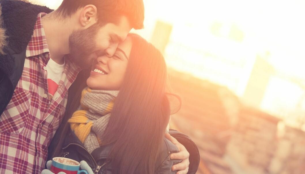 <strong>SÅRBART:</strong> Å elske gjør deg også sårbar for å få hjertet knust, derfor kan det føles vanskelig å vise hvor mye han betyr for deg. Foto: Scanpix.