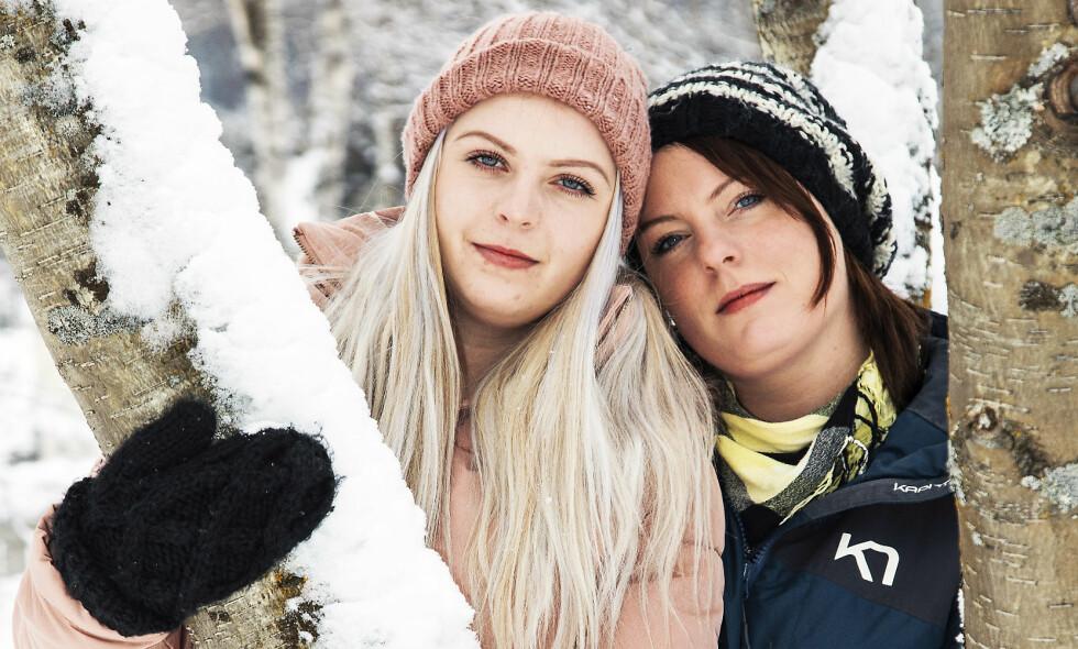 VIL HJELPE: – Jeg ble skikkelig lei meg da jeg fikk vite om Ingrid Elisabeths alvorlige sykdom. Nå håper jeg at hun får god hjelp i utlandet, sier storesøster Conni Thoresen (t.h.). Foto: Morten Eik
