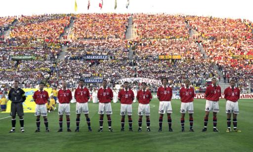 LAGET MOT BRASIL VM 1998: Eventyrkampen som endte med 2 - 1 seier og videre VM-spill. Spillerne fra dette landslaget har seinere bestemt mye i norsk fotball. FOTO: Erik Johansen/Scanpix.