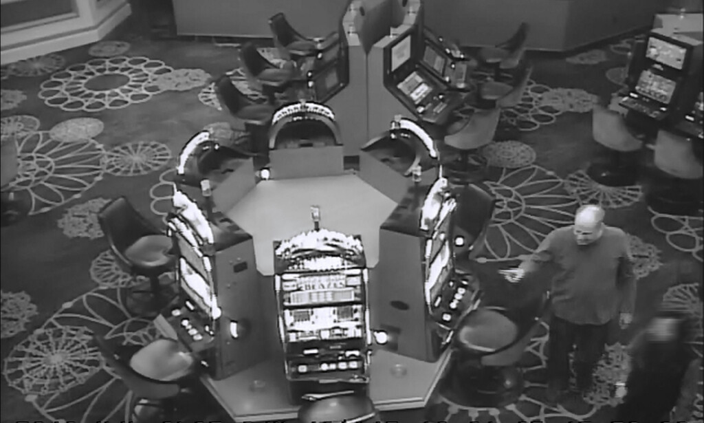 GAMBLER: Stephen Paddock inne på casinoet på Mandalay Bay i Las Vegas. Foto: MGM Resorts via AP