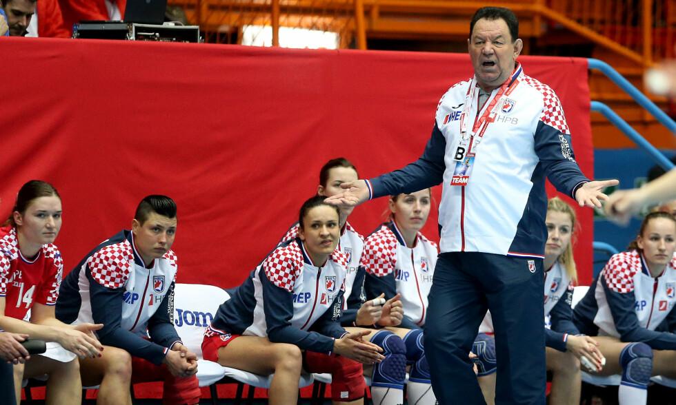FORNØYD TROSS TAP: Kroatia-trener Nenad Sostaric var svært tilfreds med spillernes innsats, selv om det ble tap mot Norge. Foto: NTB Scanpix