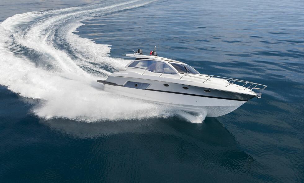 UNNGA FALLGRUVENE: Det er mange ting du kan gjøre for å oppnå best mulig pris for båten du skal selge. Å legge vekt på gode bilder er blant dem. Les hva eksperten råder deg til før en salgsprosess. Foto: NTB Scanpix