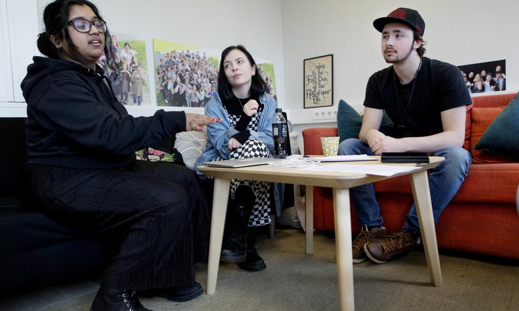 KRITISKE: De tidligere BUP-brukerne Anika (19), Lisa Marie (19) og Jan Marius (19) mener foreldrene ikke skal få innsyn i hva barna deres forteller behandlerne. Foto: Anita Arntzen / Dagbladet