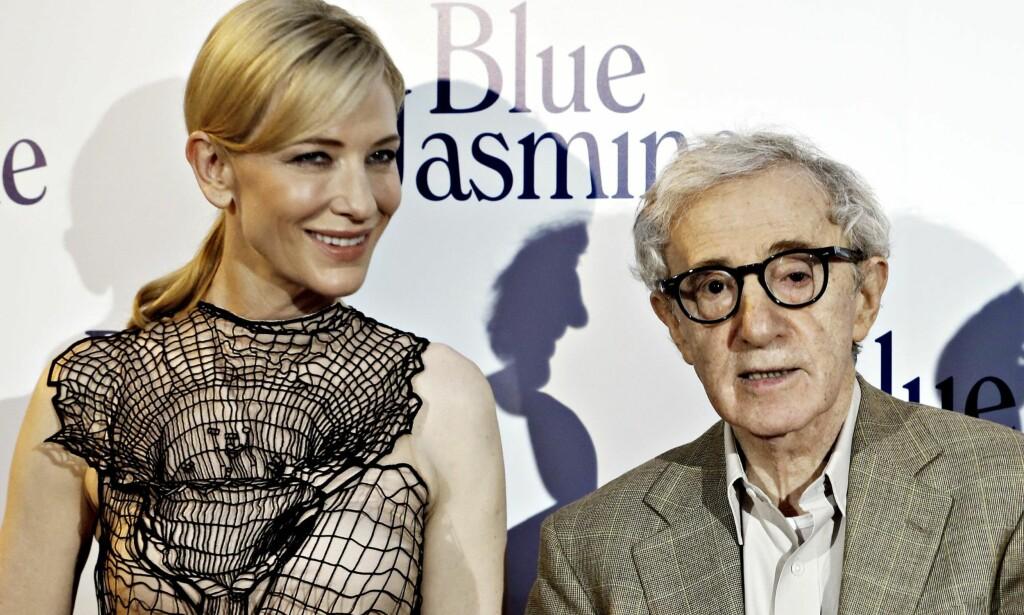 HOLDER STAND: Cate Blanchett mener at sosiale medier ikke skal være domstolen i overgrepsanklagene mot Woody Allen. Foto: Charles Platiau / Scanpix.