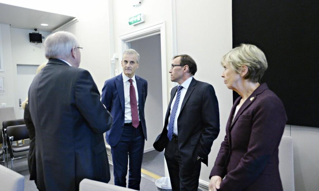 EN VEKKER: Jonas Gahr Støre og Espen Barth Eide har måttet kjempe gjennom Acer-saken i Arbeiderpartiet. Det bør være en vekker. Foto: John T. Pedersen / Dagbladet