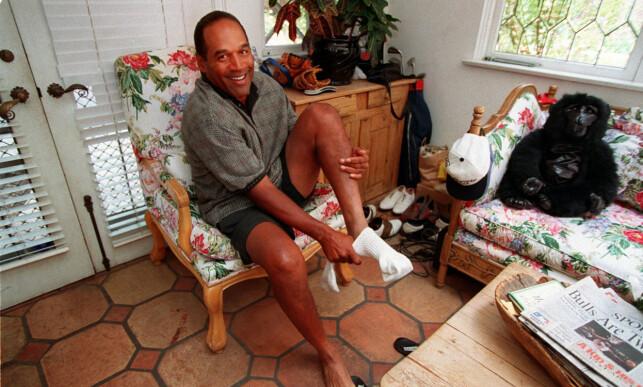 BOR I HJEMMET TIL KOMPISEN: O.J. Simpson får bo i en villa eid av vennen James Barnett. Her avbildet i 1997. Foto: NTB Scanpix