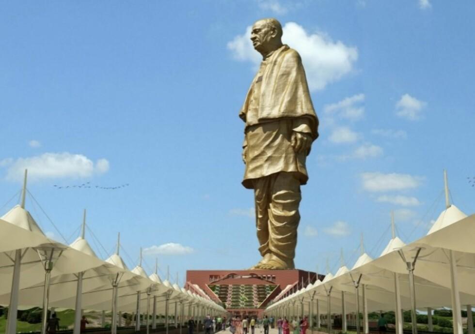 182 METER: Statuen av Sardar Patel skal etter planen stå ferdig i oktober. Foto: Statue of Unity