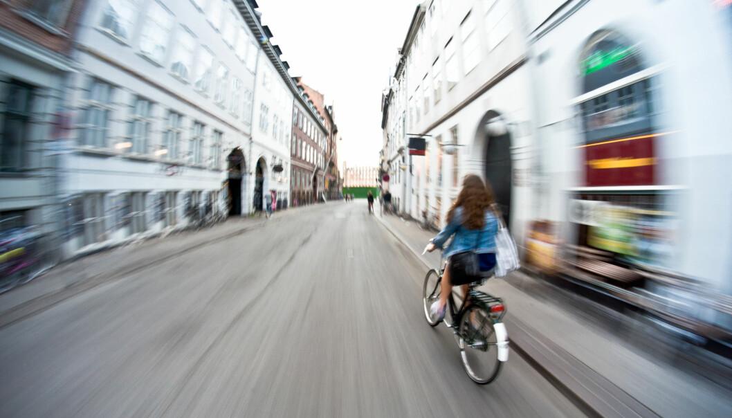 Hvor fort går det egentlig an å sykle med en elsykkel?