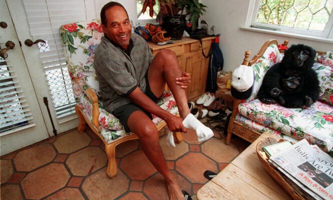 <strong>BOR I HJEMMET TIL KOMPISEN:</strong> O.J. Simpson får bo i en villa eid av vennen James Barnett. Her avbildet i 1997. Foto: NTB Scanpix