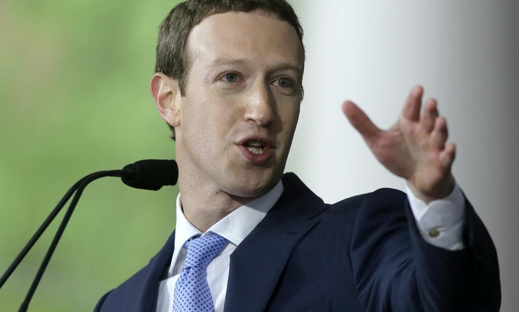 LOVER ENRING: Facebook lover endringer etter personvernskandalen. Foto: Steven Senne / NTB SCanpix