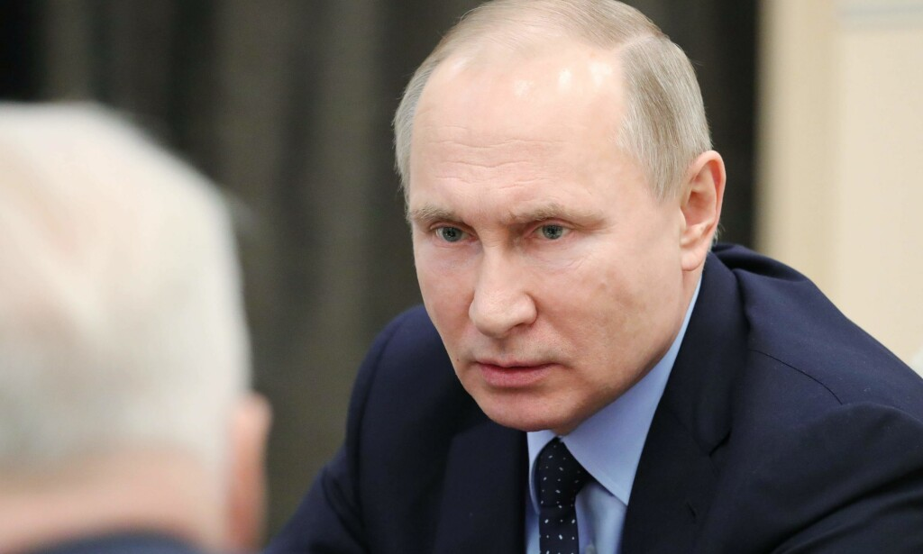 DIPLOMATPÅSKE: President Vladimir Putin og hans mannskap slår kraftig tilbake mot land som har utvist russiske diplomater etter giftsaken i Storbritannia. Foto: Mikhail Klimentjev, Sputnik/AFP/NTB Scanpix.