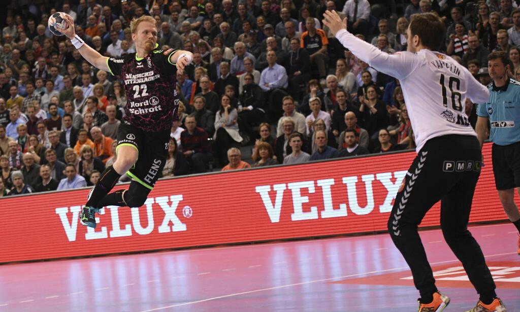 SEIER: For Anders Zachariassen (i lufta) og Flensburg-Handewitt. Her i duell med IFK Kristianstads keeper Richard Kappelin. Foto: NTB Scanpix