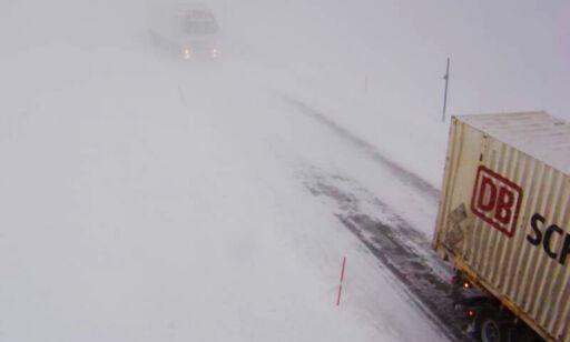 image: Stor skredfare, isolerte bygder, OBS-varsel og over 20 stengte veier i Troms og Finnmark