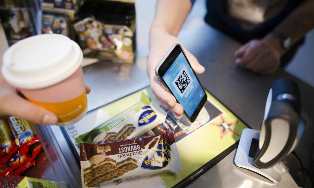 SAMLE POENG: Studentene kan bruke poeng de samler, ved ikke å bruke mobilen, til å handle kaffe og kioskvarer. Illustrasjonsfoto: Hold