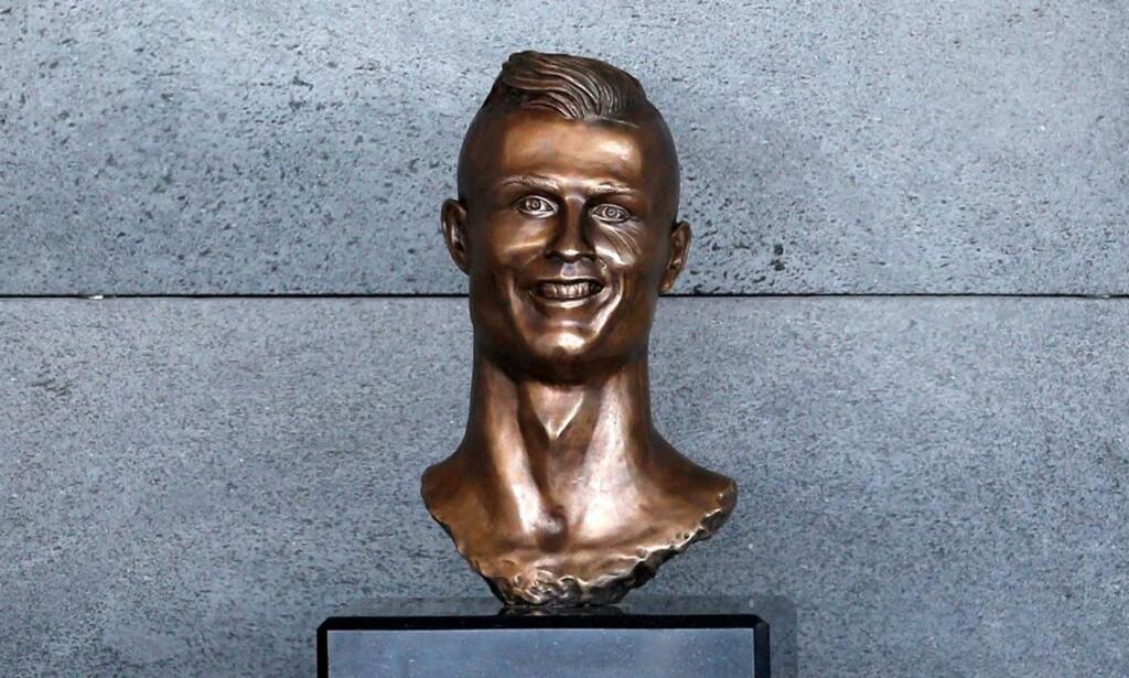 ORIGINALEN: Slik så den originalen bysten av Cristiano Ronaldo ut. Foto: NTB Scanpix