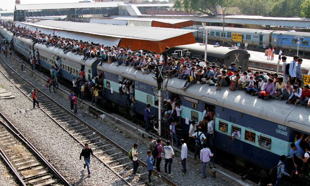 MANGE SØKNADER: India har verdens fjerde største jernbanenettverk. Det krever folk. Så langt har Indias svar på NSB fått 25 millioner søknader. Foto: NTB scanpix