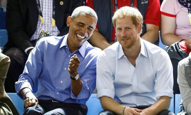 GOD TONE: Både prins William og Harry har møtt Barack Obama ved flere anledninger. Her er ekspresidenten sammen med den gifteklare 33-åringen på sistnevntes veldedighetsarrangement i fjor høst. Foto: Reuters / NTB Scanpix