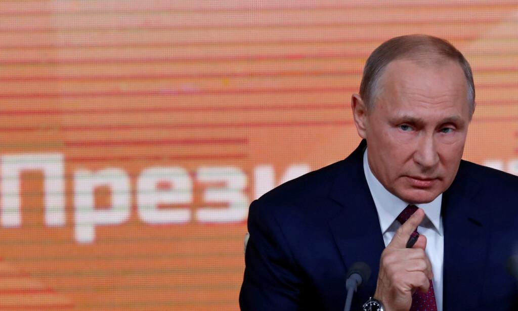 GJENGJELDER TJENESTEN: President Vladimir Putin og administrasjonen hans gjengjelder masseutvisningen av russiske diplomater. Foto: Sergej Karpukhin / Reuters / NTB Scanpix
