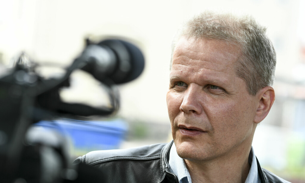 FRI MANN: Kaj Linna rett etter løslatelsen fra løslatelsen fra fengselet i Kalmar 15. juni 2017. Nå er han tilkjent 18 millioner kroner i erstatning. Foto: Johan Nilsson, TT/NTB Scanpix.