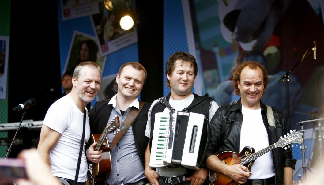 D.D.E.: Frode Viken (helt til høyre) på scenen under bandets konsert på Tusenfryd i 2007. Foto: Sara Johannessen / SCANPIX