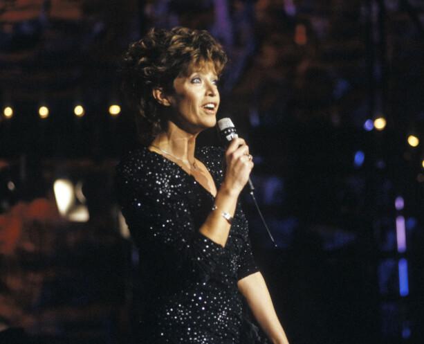 1988: Lill-Babs på scenen under åpningen av TVNorge. Foto Tor Richardsen / NTB Scanpix