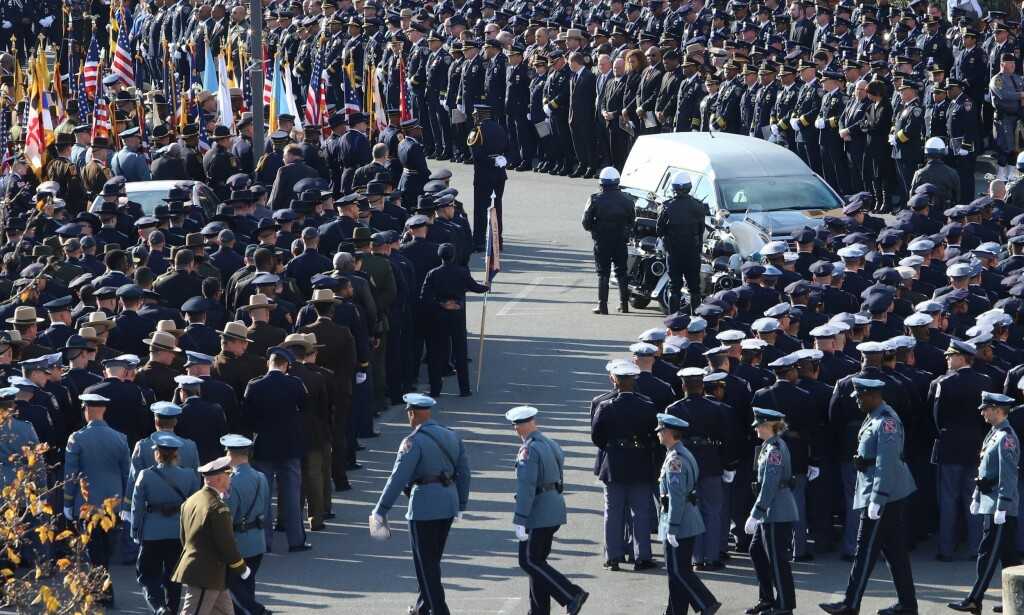 BEGRAVELSE: Begravelsen til Sean Suiter i november i fjor. Foto: Alex Wroblewski / Getty Images / AFP