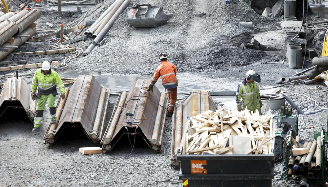 <strong>Trygghet:</strong> Bygningsarbeidere er utsatt. Her er noen i arbeid på det nye Nasjonalmuseet på Vestbanetomta. Foto: Gorm Kallestad / NTB scanpix