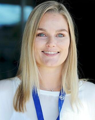 SKEPTISK: Dersom fedrekvoten skal økes, bør det ifølge Hanne Charlotte Schjelderup, leder i Jordmorforbundet, ikke skje på bekostning av mor. FOTO: Jordmorforbundet