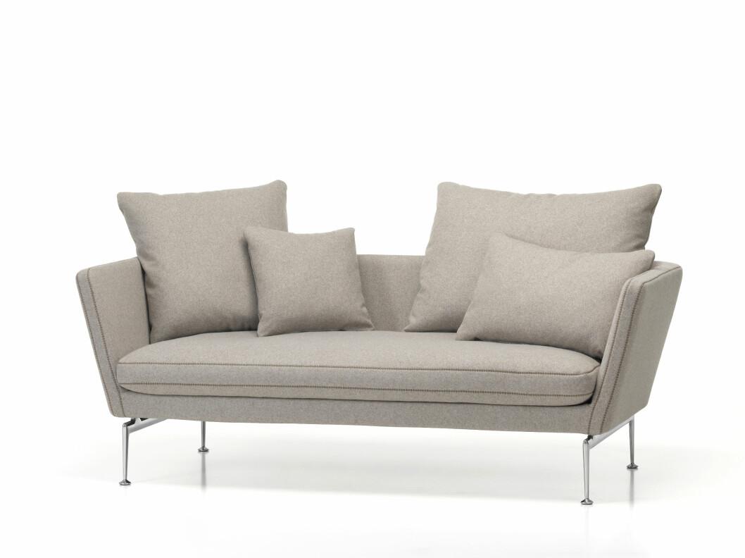 Elegante og lette «Suita»-sofa er designet av italienske Antonio Citterio og finnes i mange varianter (fra kr 28 000, Vitra).