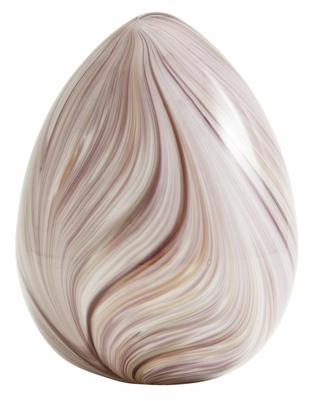 Dette egget lar vi gjerne stå framme lenge etter påske (kr 300, Nordal).