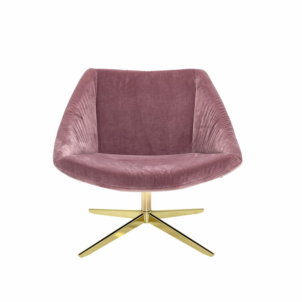 «Elegant» stol iglamorøs messing og fløyel (kr 10 500, Bloomingville).