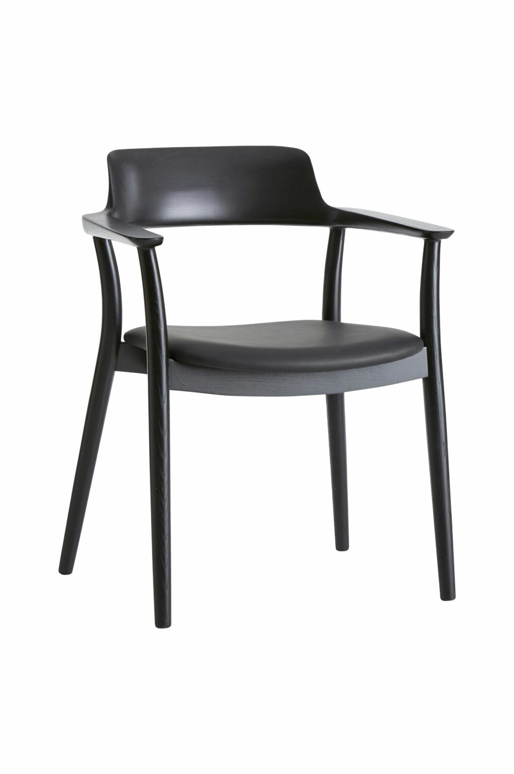 «Benita» kjøkkenstol (kr 2800, Ellos Home).