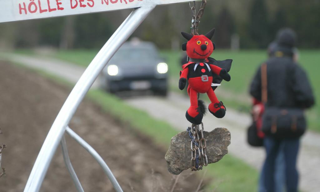 HELVETET I NORD: Brosteinen i Paris-Roubaix er unik, og blir ofte beskrevet som noe av det verste proffrytterne møter i løpet av sesongen. Foto: Jarle Fredagsvik/procycling.no
