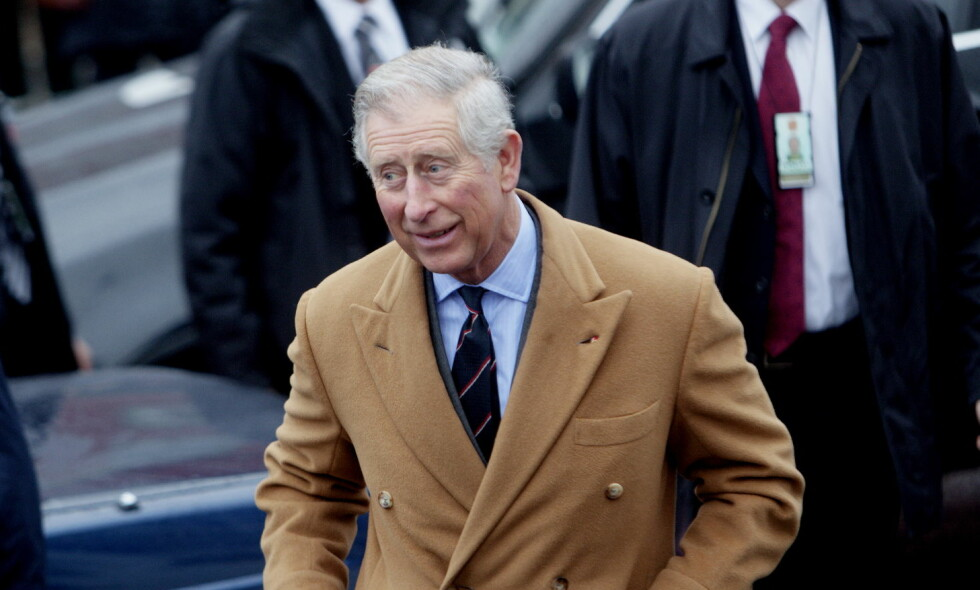 RYKTER: Ifølge utenlandsk presse skal det ha gått rykter om at prins Charles har med seg et privat dosete på reiser. Nå avkrefter han ryktene. Foto: NTB Scanpix.