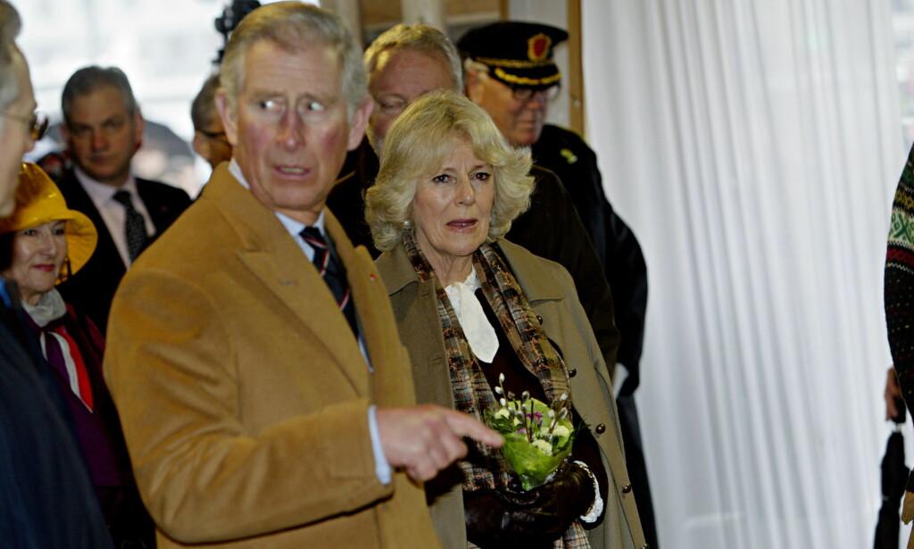NORGESBESØK: Prins Charles av Wales og hertuginne Camilla besøker Bryggen under reisen til Bergen i 2012. Foto: Stian Lysberg Solum / NTB Scanpix