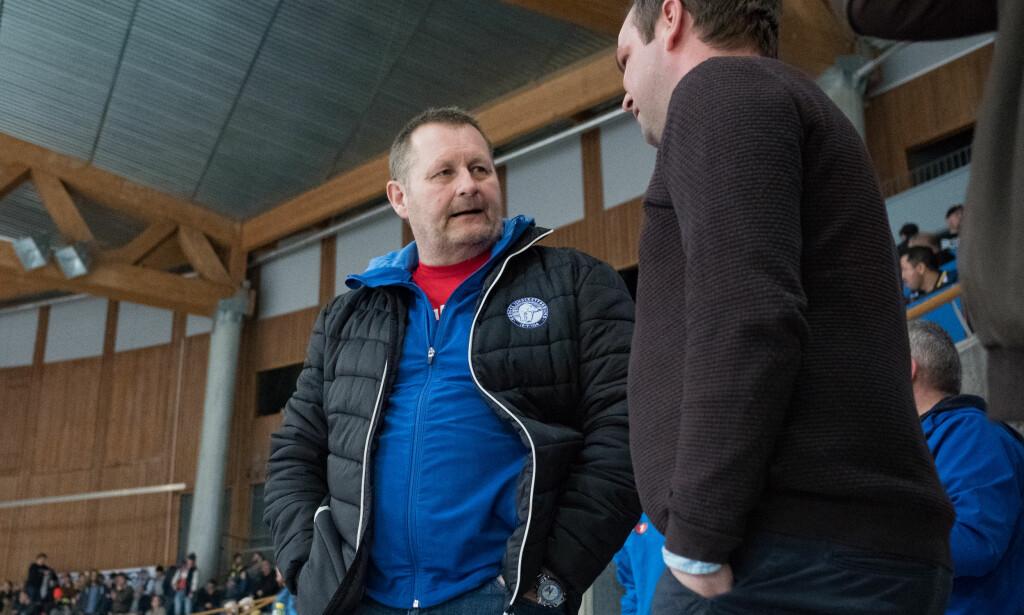 STARTET MED SEIER: Petter Thoresen og landslaget i ishockey vant mot Latvia fredag. Foto: Fredrik Hagen / NTB scanpix