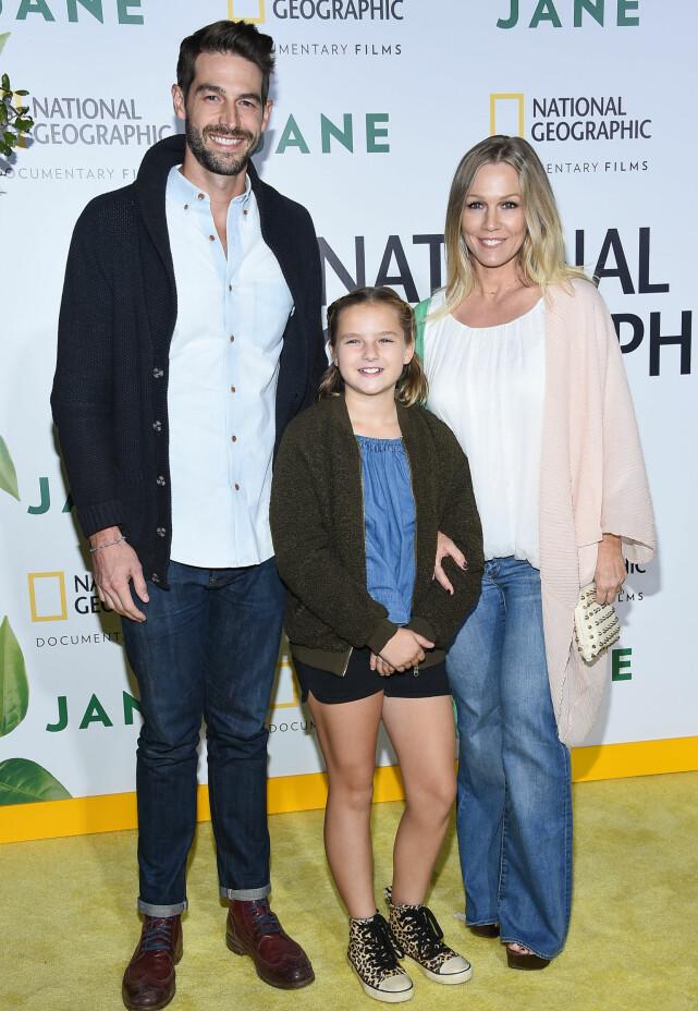GÅR HVER TIL SITT: Jennie Garth og Dave Abrams skilles. Her fotografert under en filmpremiere, sammen med Garths datter Fiona Eve. Foto: NTB scanpix