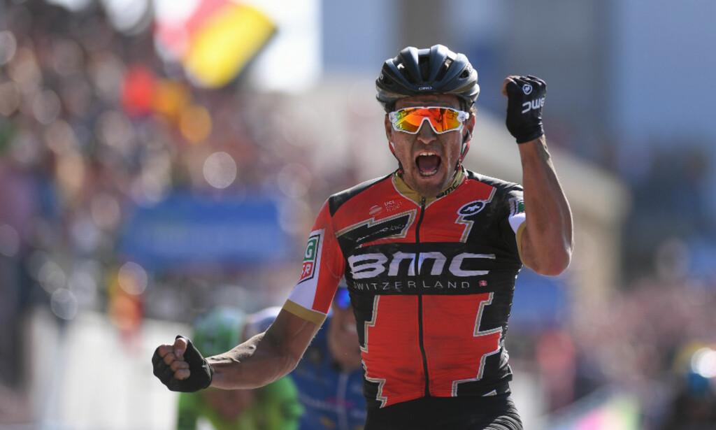 VANT I FJOR: Greg Van Avermaet spurtet til seier på velodromen i Roubaix og tok sin første monumentseier. FOTO: Tim de Waele (TDWSport.com)
