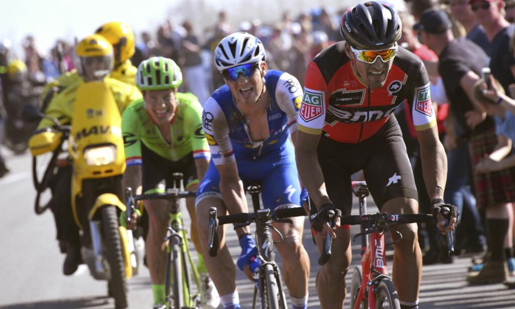 MÅ OVERLISTE QUICK-STEP: Greg Van Avermaet knakk Zdenek Stybar og resten av Quick-Step Floors i fjor, men klarer han det i år? FOTO: Tim de Waele (TDWSport.com)
